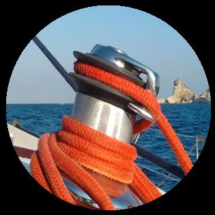 Voyage en mer à la cabine ou bateau privatisé