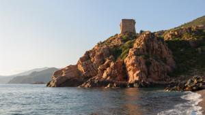 La tour génoise de Porto, commune d'Ota, Corse-du-Sud, France