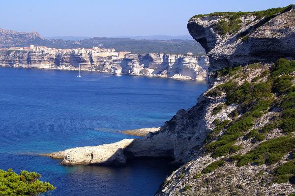 corse-falaise-nature-mer