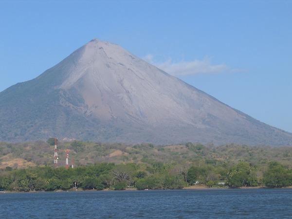 volcan-omete-destination-nicaragua