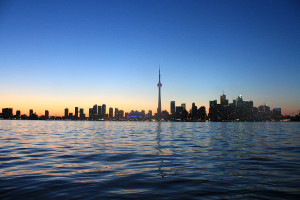 toronto-skyline-nuit-canada