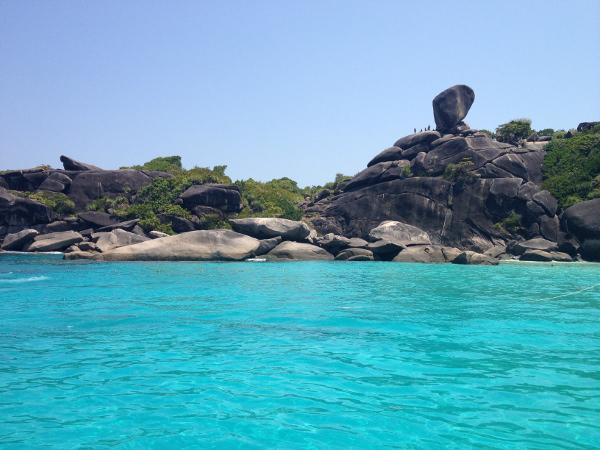 thailande-plage-rocher-paradisiaque