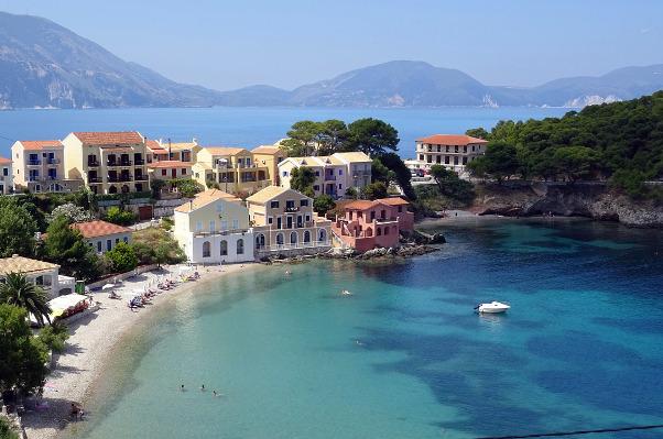 assos-village-baie-grece