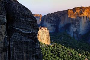 grece-meteores-monasteres-montagnes