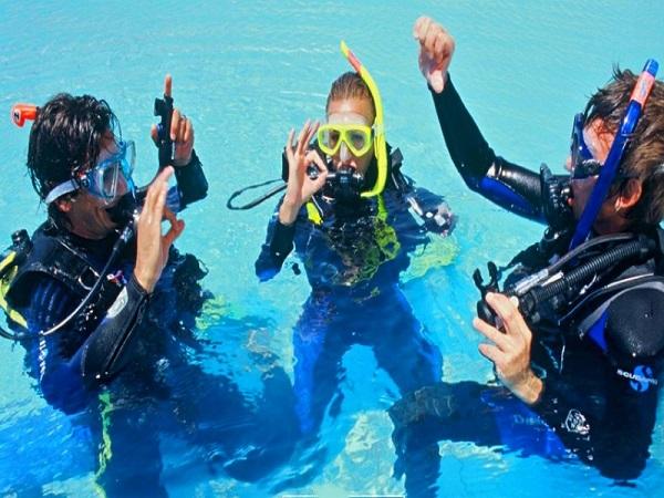 yoga-bapteme-de-plongee-sous-marine-piscine