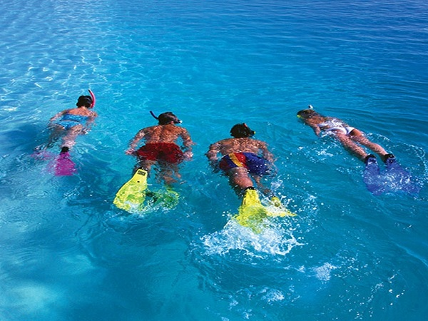 yoga snorkeling 2