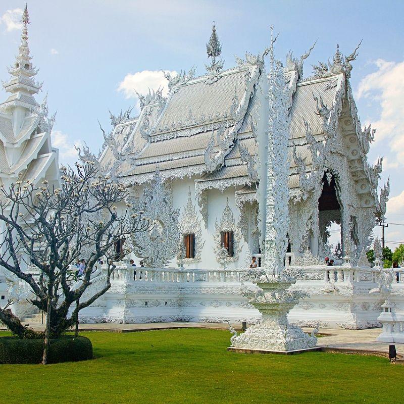 Chiang Rai et le temple blanc en croisière au Laos avec Via Dream