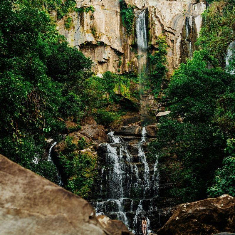 A Golfito en croisière au Costa Rica de Via Dream une cascade