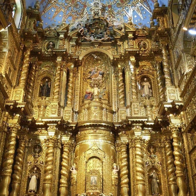 A Quito église de la compagnie en croisière aux Galapagos par Via Dream